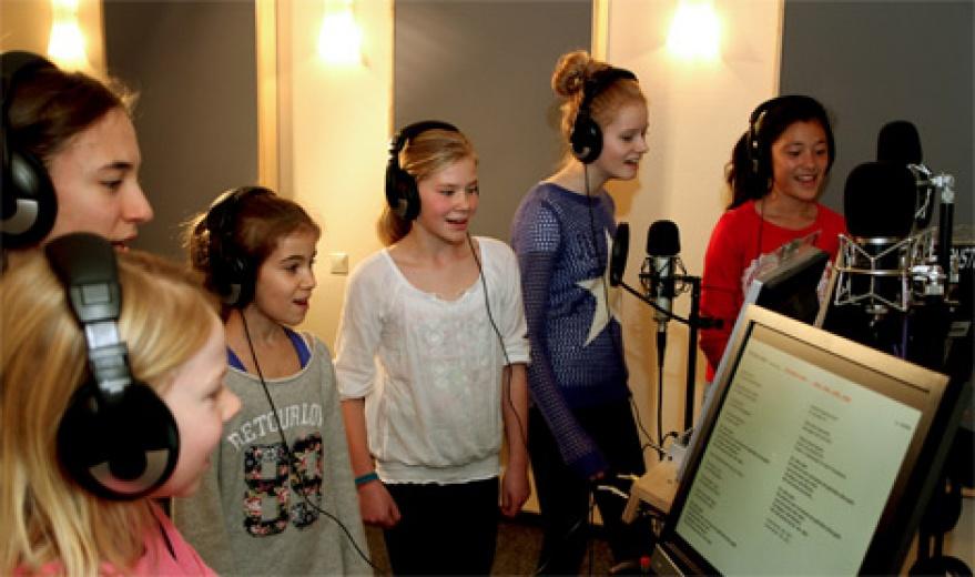 kindergeburtstag im karaoke tonstudio in hannover. Black Bedroom Furniture Sets. Home Design Ideas